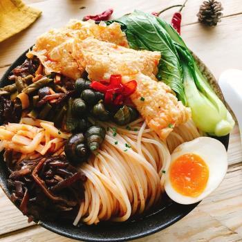 【買一送一 】柳州風味小吃 酸辣螺獅粉1包(249g/包) ,共2包|乾拌麵