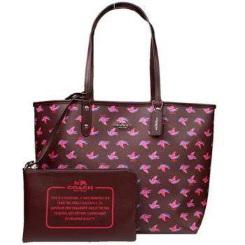【COACH】立體金屬馬車燕子圖案雙面兩用大托特包(咖啡紅)
