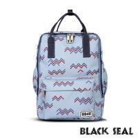 BLACK SEAL 聯名8848系列-多隔層休閒小方型後背包-淺藍 BS83008