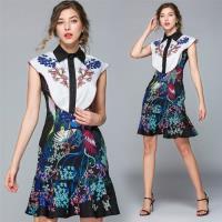 【M2M】輕盈飄逸魚尾裙襬印花洋裝M-2XL