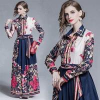 【M2M】時尚飄逸大裙擺蝴蝶結系帶修身印花洋裝M-2XL