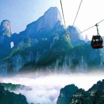 促銷-張家界天門山、黃龍洞、玻璃橋、鳳凰古城8日(無購物)旅遊