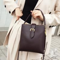 【AL老工匠】韓國聯名氣質真皮Polly流線側背包-拿鐵咖啡