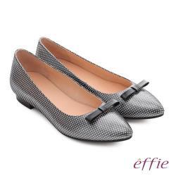effie 輕甜自適 真皮蝴蝶點點印花質感跟鞋- 黑