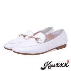 【Kissxxx】全真皮經典金屬釦飾造型低跟便鞋 白