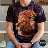 摩達客(預購)美國進口The Mountain  草原獅王 純棉環保藝術中性短袖T恤