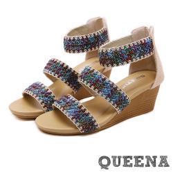 【QUEENA】個性民族風彩色編織一字帶造型坡跟羅馬涼鞋 杏