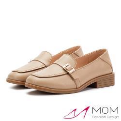 【MOM】真皮小方頭皮帶釦飾百搭舒適低跟鞋 卡其
