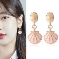 梨花HaNA 無耳洞韓國粉紅海洋貝殼人魚耳環夾式