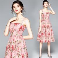M2M-渡假風甜美粉花吊帶高腰方領連身裙S-2XL