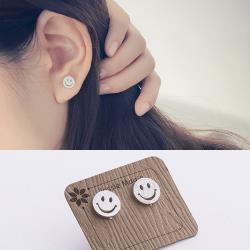 【Emi艾迷】925銀針清新女孩笑臉Smile拉絲耳環