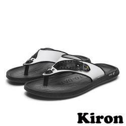 【Kiron】百搭舒適個性人字夾腳休閒拖鞋 白黑