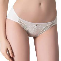 思薇爾 撩波無拘束之花系列M-XXL蕾絲低腰三角內褲(奶油色)