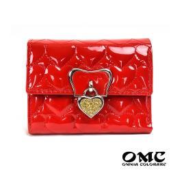 【OMC】8卡2照艷光奢華心型墜飾三折牛皮短夾(紅色)
