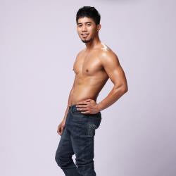 【SexiiHippo】獨家專利★完美全視角★前凸後翹男神塑型超彈力牛仔褲