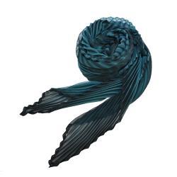 ISSEY MIYAKE 三宅一生 ARASHI SHIBORI 蝙蝠型摺紋圍巾-孔雀藍