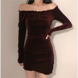 一字肩顯瘦包臀絲絨包臀短裙