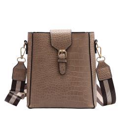 【KISSDIAMOND】時尚必備手提肩背水桶包KDB-5407(熱銷/斜背/肩背/寬背帶)-卡其色