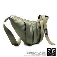 AJ.亞介 極簡個性 尼龍斜背包 胸掛包 單肩包 綠色(UE9609)