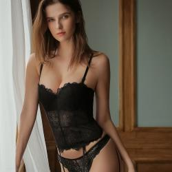 【PinLe】法式深V性感馬甲蕾絲聚攏上托收腹美體套裝(黑色)bra-A005
