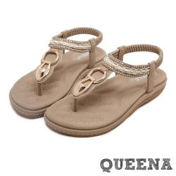 【QUEENA】金屬釦環水鑽串珠排飾T字舒適厚底涼鞋 米