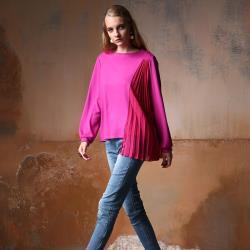 【PANGCHI 龐吉】壓褶雪紡設計羊毛圓領衫(2023022-43/44)