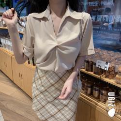 【UGIZ】修身翻領扭轉襯衫造型上衣(M-XL)